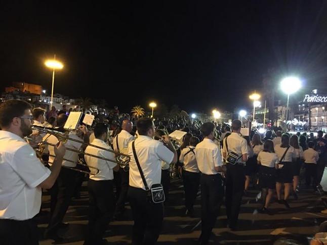 Participació en les desfilades de Moros i Cristians de Peñíscola.