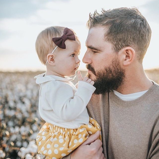 There's nothing like the love between a girl and her daddy 💜_._Thanks for sharing this sweet shoot