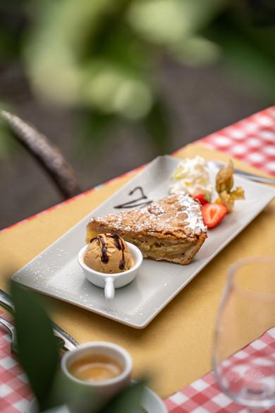 Tarte aux pomme and Ice Cream