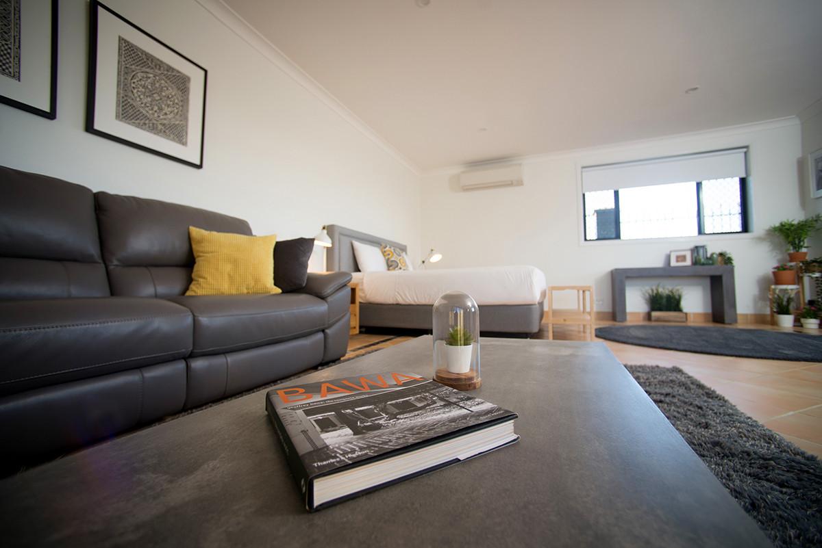 X lounge.jpg