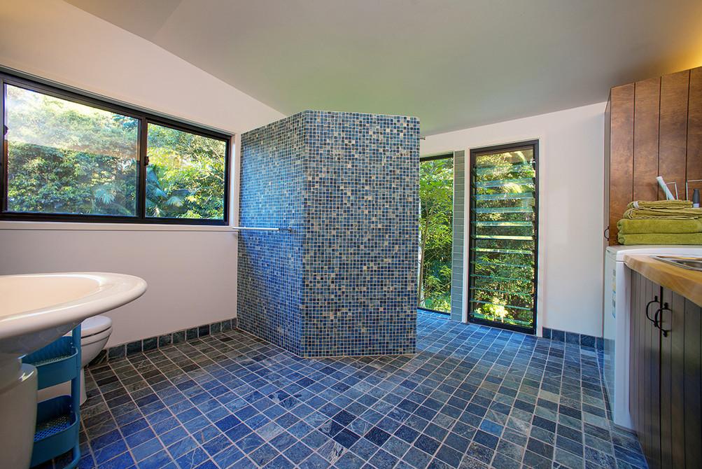 X bathroom.jpg