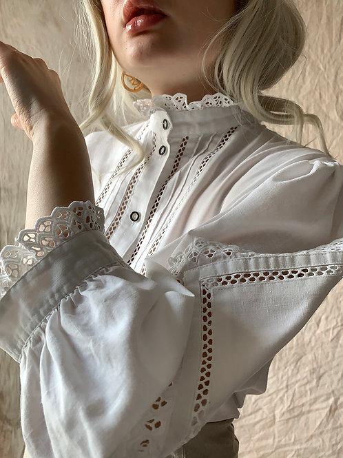 Vintage white III