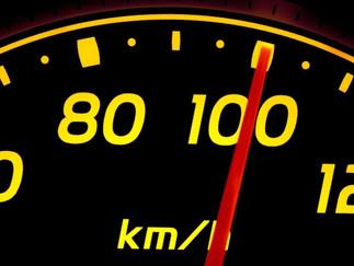 """""""¿Por qué el velocímetro no indica la velocidad real?"""""""
