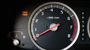 CHECK ENGINE: ¿Qué es? ¿Por qué puede encenderse?