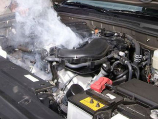 Qué hacer si el motor del auto se calienta?