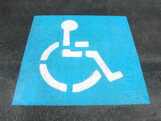 Como tramitar placas de auto para personas con discapacidad.