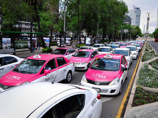 ¿Manejas un taxi o Uber?. El gobierno de CDMX presentó nuevas medidas para tramitar licencia y revIs