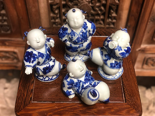 Blue & white hiphop figurines