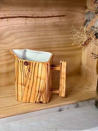 Wood-like jug