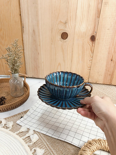 Scallop x blue |  Cup with saucer