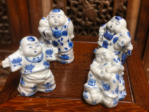 "Blue & white ""Mummy & I"" figurines"