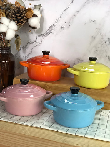 Round casserole with lid (Small x 4 colour)