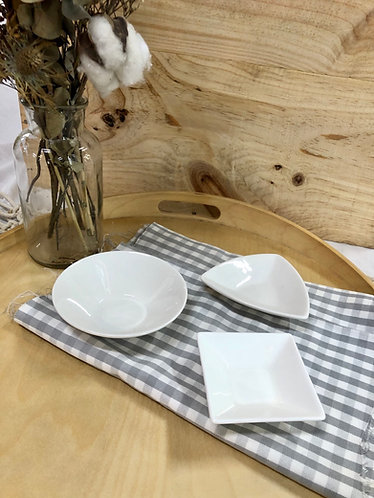 White saucer (3 shapes)