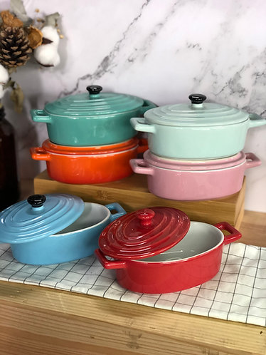 Oval casserole with lid (Small x 6 colours)
