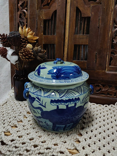 Blue White Lotus Pond Urn with Cover