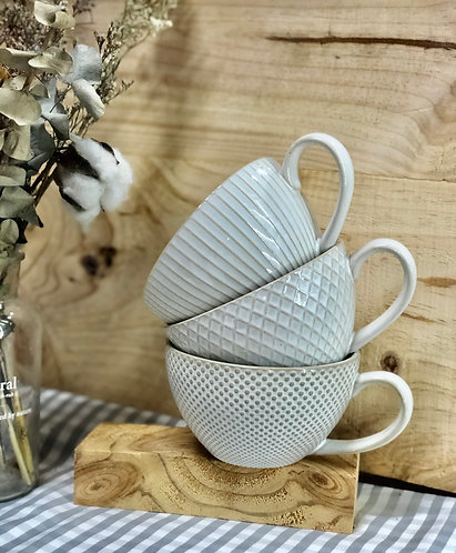 White textured cup (3 designs)