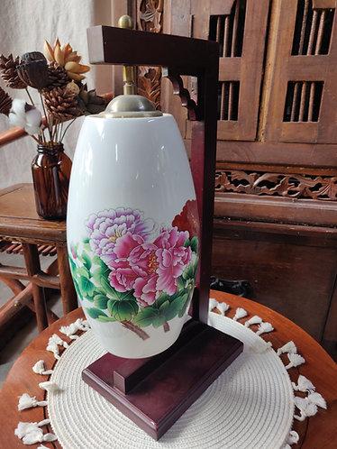 Overhanging C Frame Pink Floral Lamp