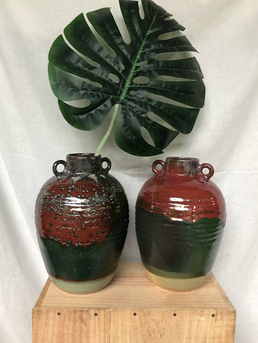 Green and red glazed vase (2 designs)