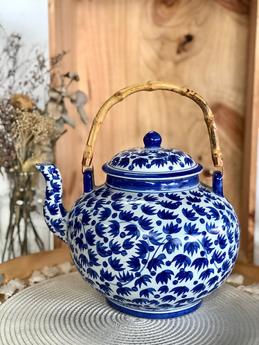 Blue and white teapot with handle