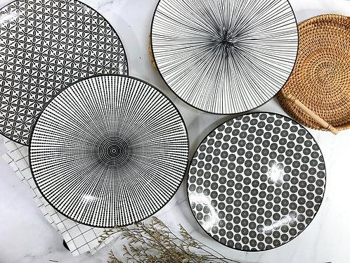 Black & white XL Plate (4 designs)
