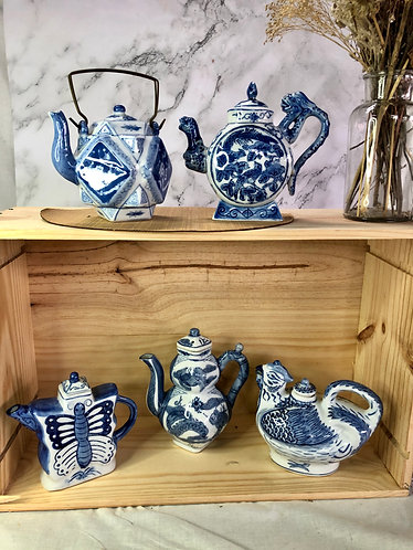 Blue and white teapot ( 17 designs)