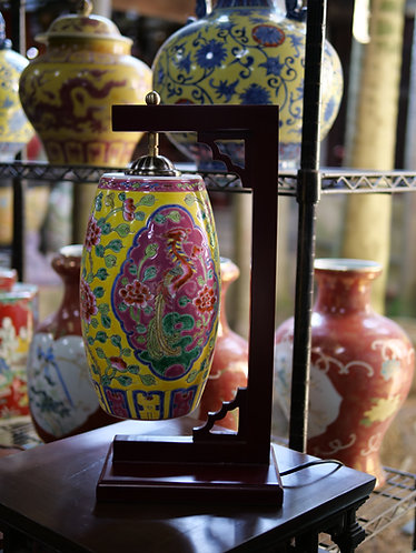 Peranakan egg shell lamp with wooden stand (2 colours)