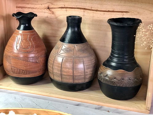 Wood-like x handcarved vase (3 shapes)