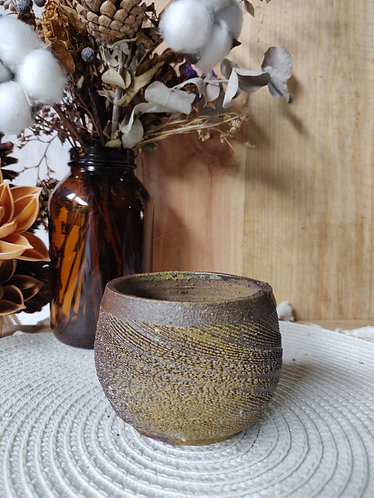 Textured Bowl w Base