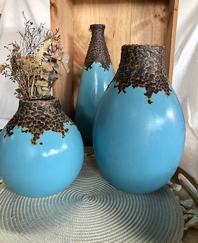Blue x crawl glaze vase ( 3 sizes)