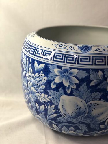 Blue and white floral fish bowl (LAST)