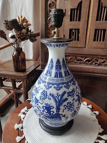 Blue White Vase Lamp