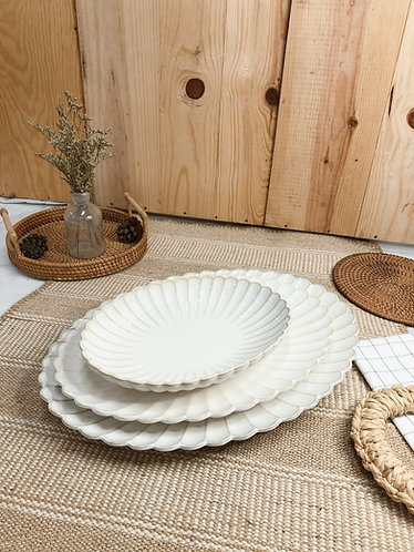 Scallop x white | Oval Plate (3 sizes)