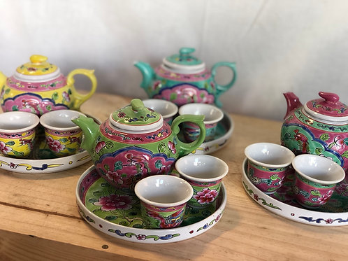 Peranakan small Teapot Set (with box)