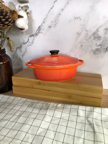 Oval casserole with lid (Medium x 1 colours)