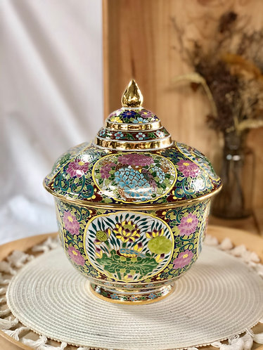 Handpainted casserole / decorativepiece