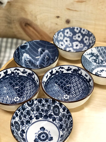 Blue & white printed bowl with faceted (5 designs)