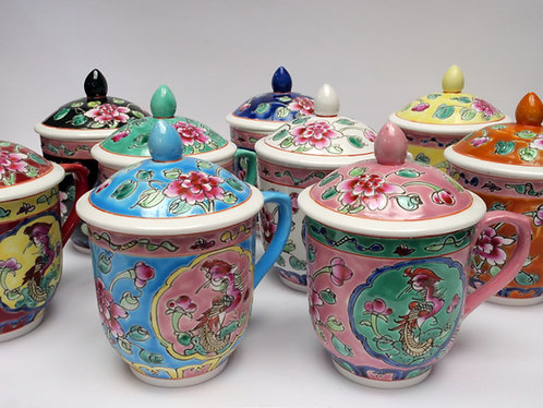 Peranakan cup with lid