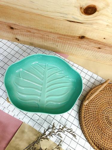 Baby green x leaf plate