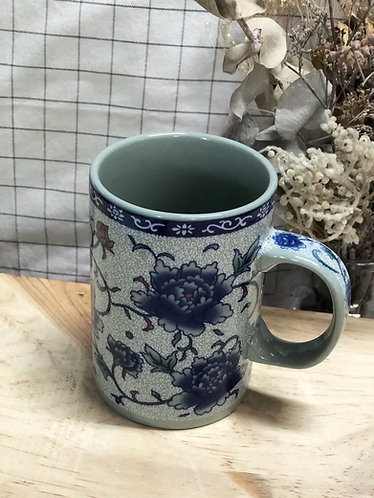 Peony drinking cup with handle