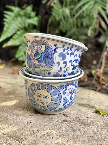 Blue & white pots (2 sizes)