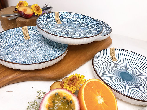 Blue and white plate (2 sizes x 4 designs)
