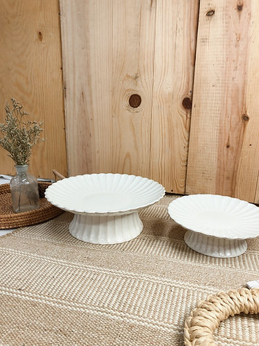 Scallop x white | Cake stand (2 sizes)