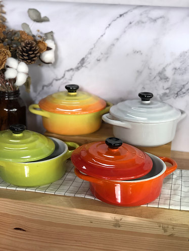 Round casserole with lid (Big x 4 colour)