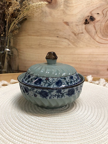 Peony bowl with lid