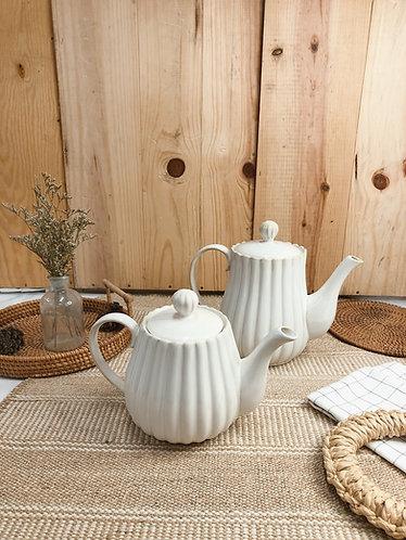 Scallop x white | Teapot (2 sizes)