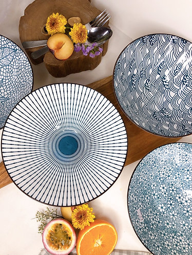 Blue and white v shape bowl (4 designs)