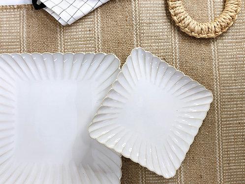 Scallop x white | Square Plate (2 sizes)