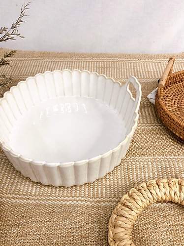 Scallop x white | Basket with handle