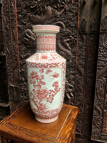 Handpainted red vase (Limited Ed)