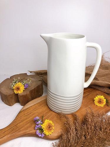 Matt white x carved line jug